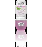 Lavera, Dezodorant roll-on SENSITIVE z wyciągiem z aloesu, szałwii i oczaru wirginijskiego., 50 ml
